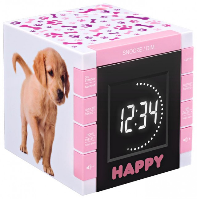 "Radio Alarm Clock ""Happy Cube"" - Packshot"